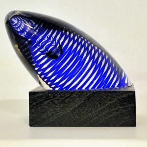 Kosta Boda Paperweight Spirale blau